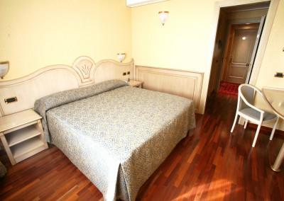 camera-superior-hotel-vicino-milano-2