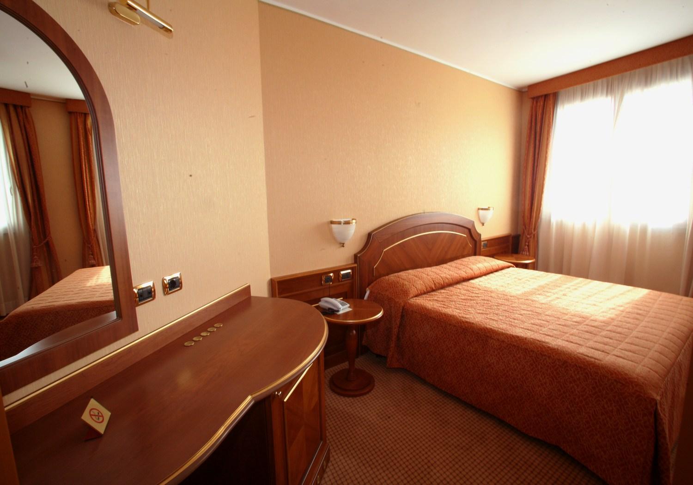 Alberghi economici vicino rozzano hotel il castelletto for Hotel economici a milano