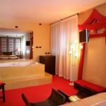 Cina Suite a Tema con Vasca Idromassaggio Milano