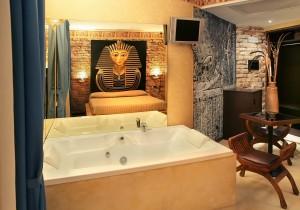 Suite a tema casarile milano sud suite a tema pavia - Idromassaggio in camera da letto bari ...