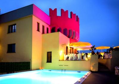 piscina-esterna-hotel-milano-pavia