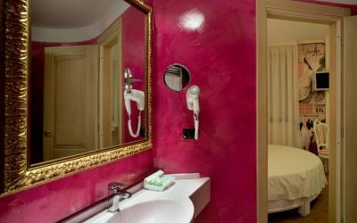 Suite con vasca idromassaggio in camera milano - Idromassaggio in camera da letto bari ...