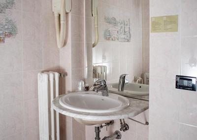 camera-standard-hotel-castelletto-2
