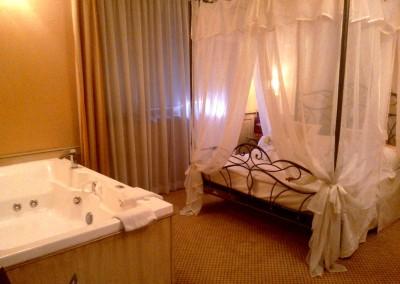 suite-romantica-jacuzzi-vicino-milano-4